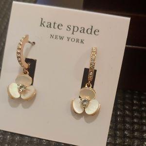 Kate spade Earrings (cream)